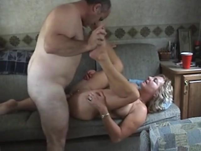 Amateur Teen Couple Having Sex