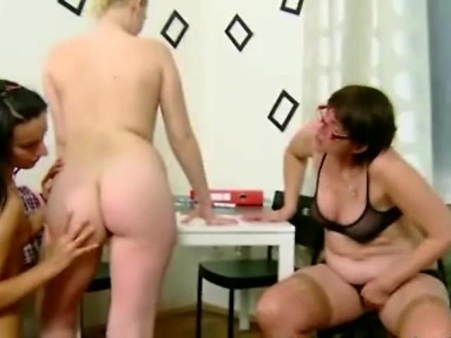 Teen Lesbian Extreme Fisting