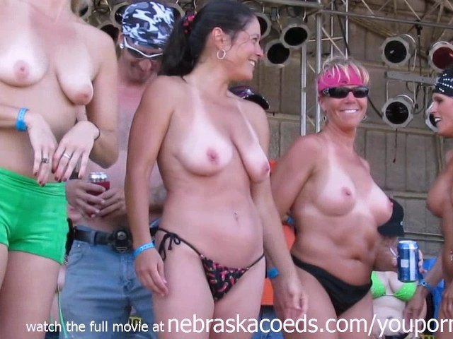 real women showing their tits and arses in public