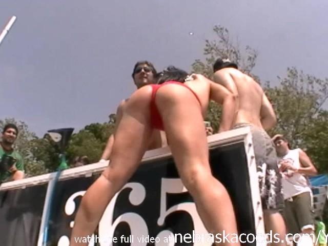 Lesbische Muschi lecken Zug