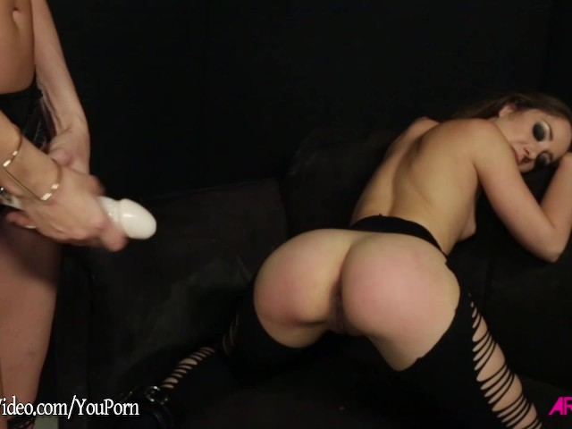 Finger Fuck Lesbian Orgasm