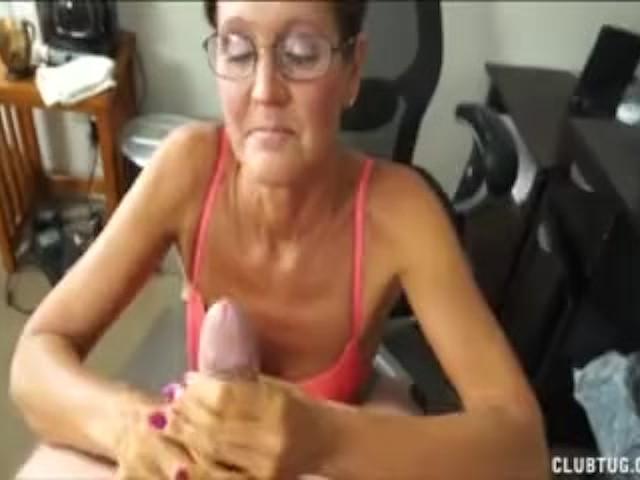 Black Shemale Sucking Cock