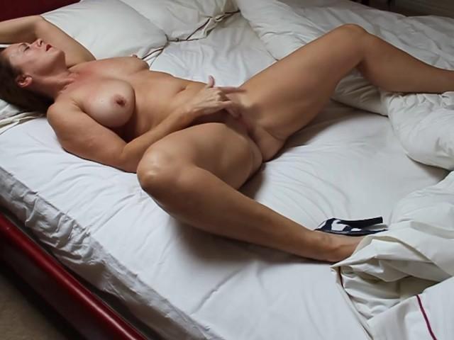 Amateur Milf Solo Orgasm