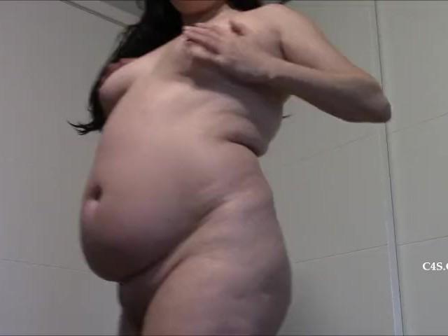 Een bitch neuken in roze kousen