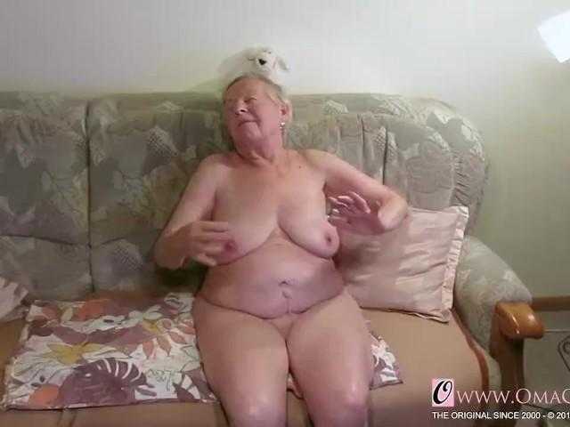 Bilder nackt oma Nackte Frauen