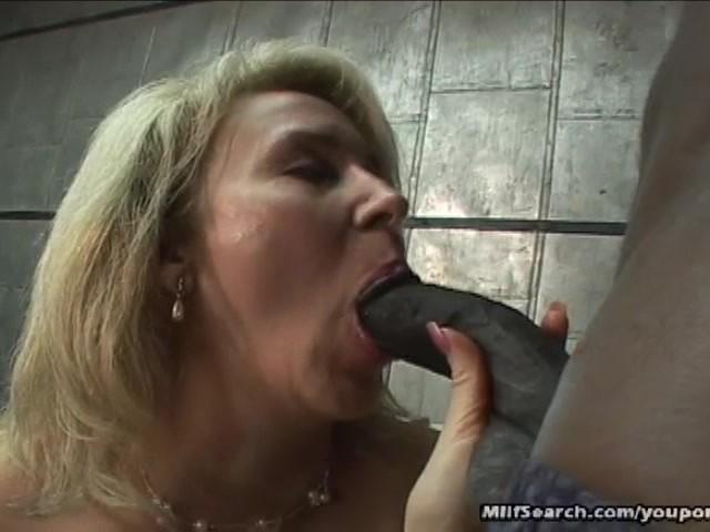 Gorgeous Blonde Milf Blowjob