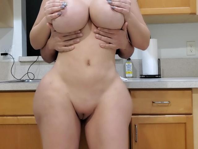 Mutfakta Sevgilisini Fena Skiyor