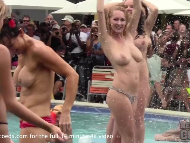 Mädchen Stripping Hintern nackt
