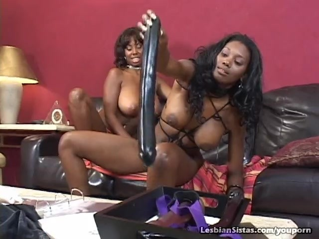 Ebony Lesbian Ride Dildo