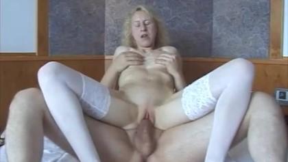 augenkontakt blowjob blonde