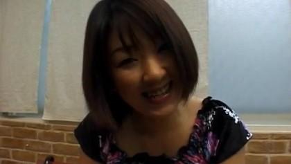 Miyuki zuigt en neukt
