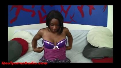 Sperma schluckt Schwarzes Mädchen Oralsex: 7