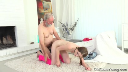 Tyna gets her pussy split by older man with big cock