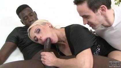 zralá žena má černocha