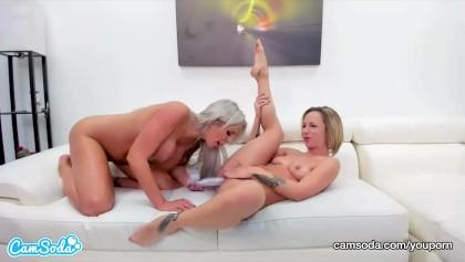 Pussy lecken beim Ficken
