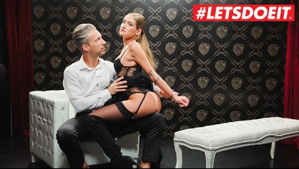LETSDOEIT - TIFFANY TATUM Gefickt Gefesselt Auf Dem Bett Von Ihrem Lieblings Schwanz