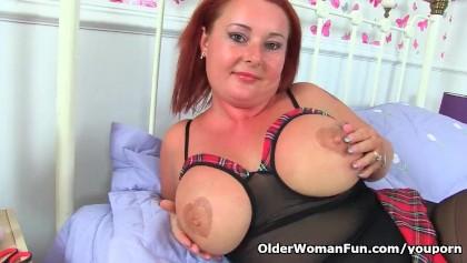 British milf Diamond works her shaven fanny