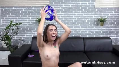 peyton list boobs