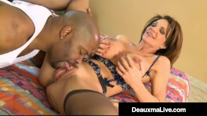 Cougar Airline Attendant Deauxma Fucks A Big Black Cock in Her Hotel!