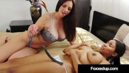 Pussy Lessons In Love! Mature Mindi Mink Fucks Little Black Jenna Foxx!