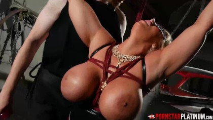 Blonde Sexbombe Große Titten Pov