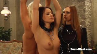Hot Lesbian Teen Orgasms Together With Her Madame