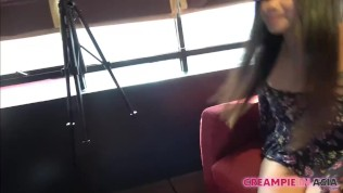 Азиатка Kimmy Kim испытывает сладкий оргазм